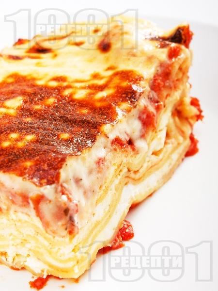 Вегетарианска лазаня с готови кори, сирене, кашкавал и сушени домати (без месо) - снимка на рецептата